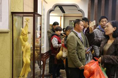 ——山东工艺美术学院第四期葫芦雕刻培训班赴聊城参观第十届葫芦文化